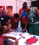 2012-13 NBA Hoops draws a crowd.