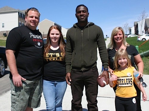 4-27-14 NFLPOD Kellington Family-2